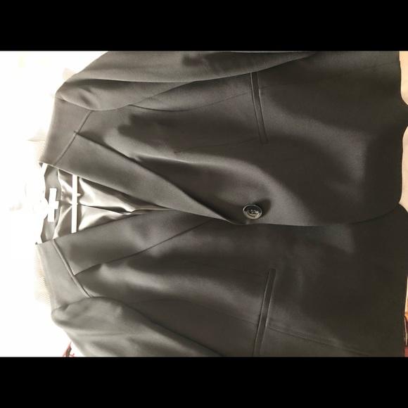 Jones New York Jackets & Blazers - Jones Studio Woman's Black Blazer Sz 16W